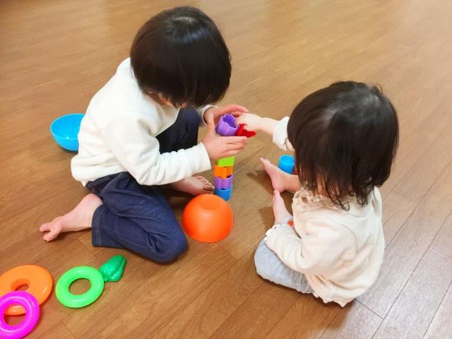 教養:給孩子選擇權、發言權,具體指引能協助孩子成為能幹的人..