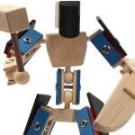 Helden aus Holz Holzspielzeug Zaphiron blauer Kämpfer mit Axt und Messer