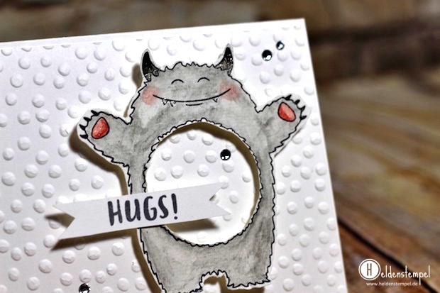 yeti_hugs_2