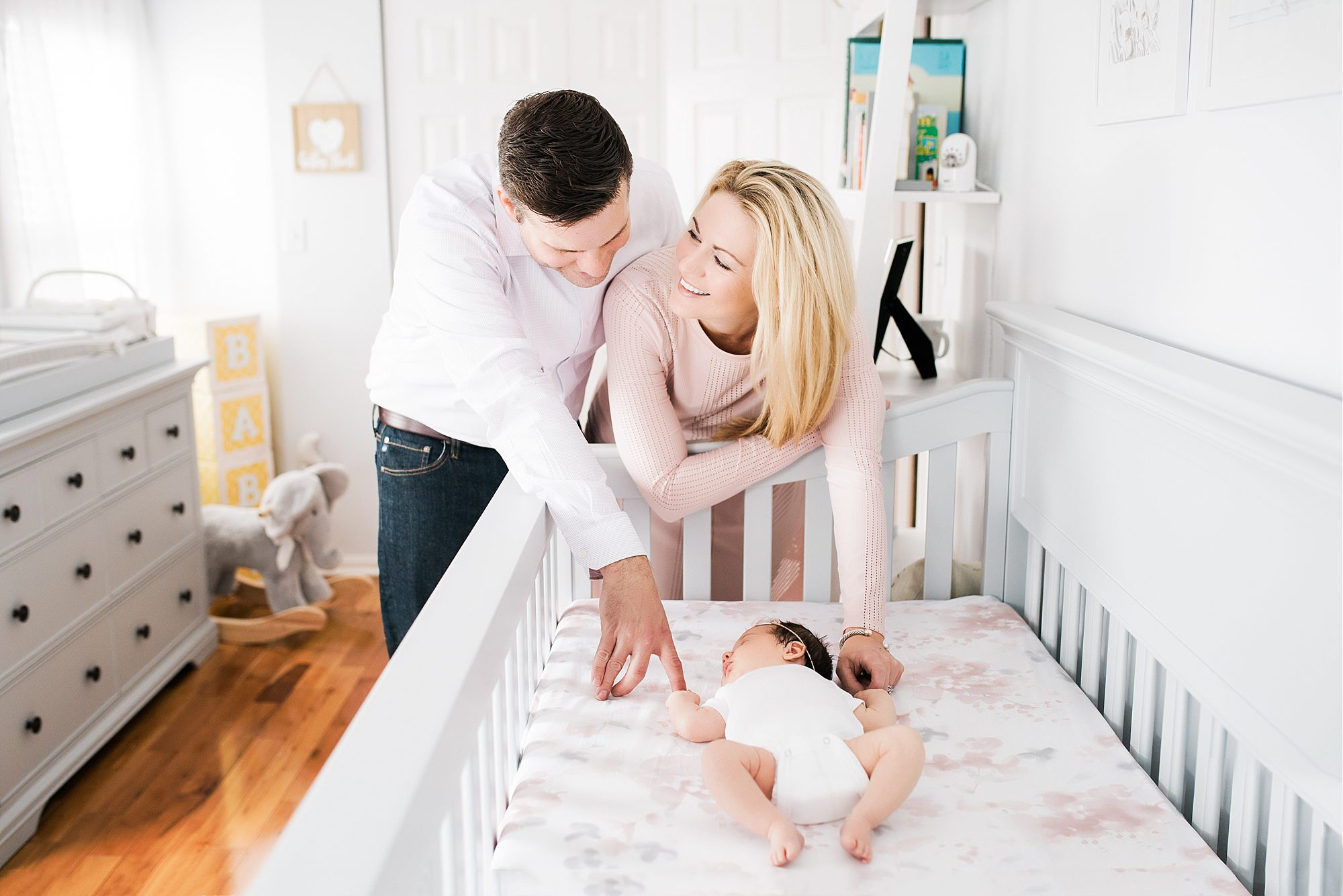 Newborn Sessions Frequently Asked Questions by Helena Goessens Photography