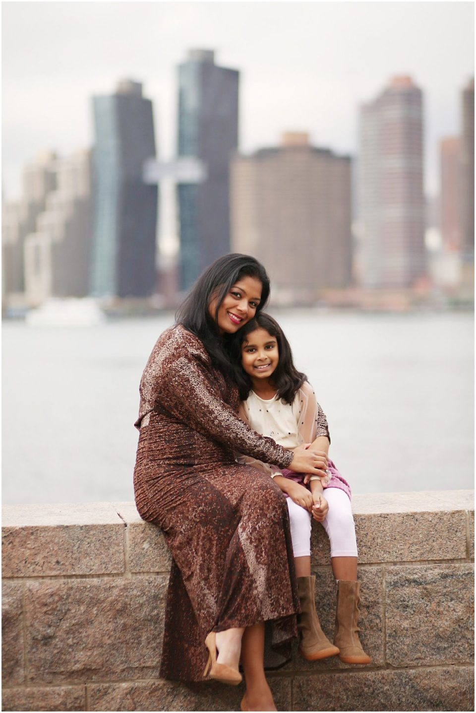 mother and daughter photos at Gantry Park in Long Island City