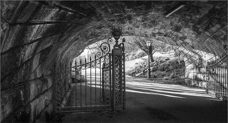 Gateway to Avenham Park