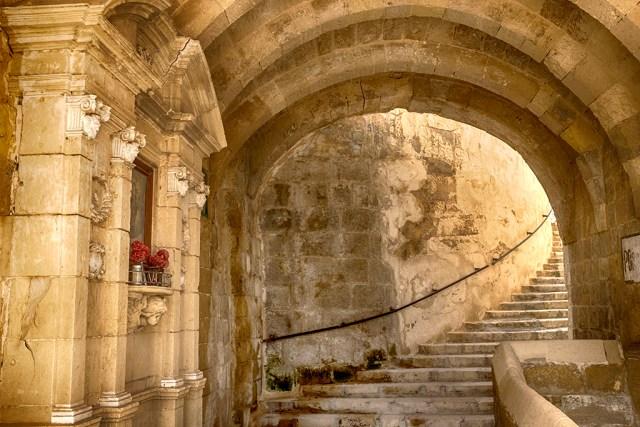 Maltese Steps