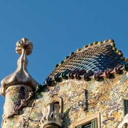 Dragon Rooftop Barcelona Gaudi