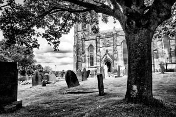 Tree Framing Church monochrome Black&white gravestones churchyard