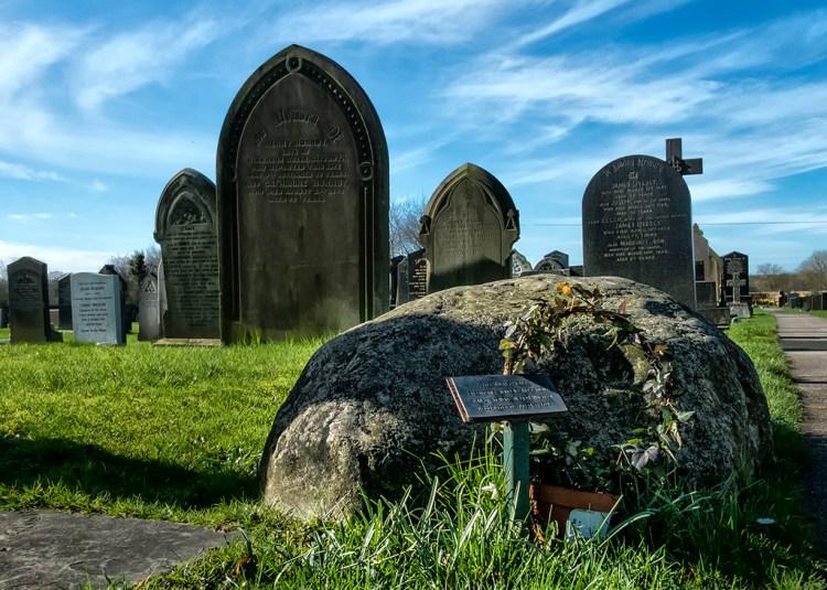 Meg's Boulder Fylde Hag Witch Woodplumpton churchyard grave Meg Shelton 1705