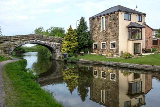 House at Bridge 16 Lancaster Canal Preston walk towpath Lancashire
