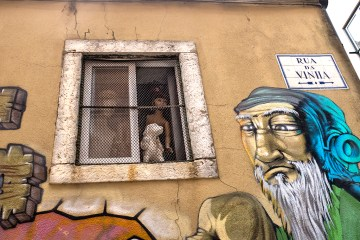 mannequins ,Grafitti, Lisbon, oddball, humour