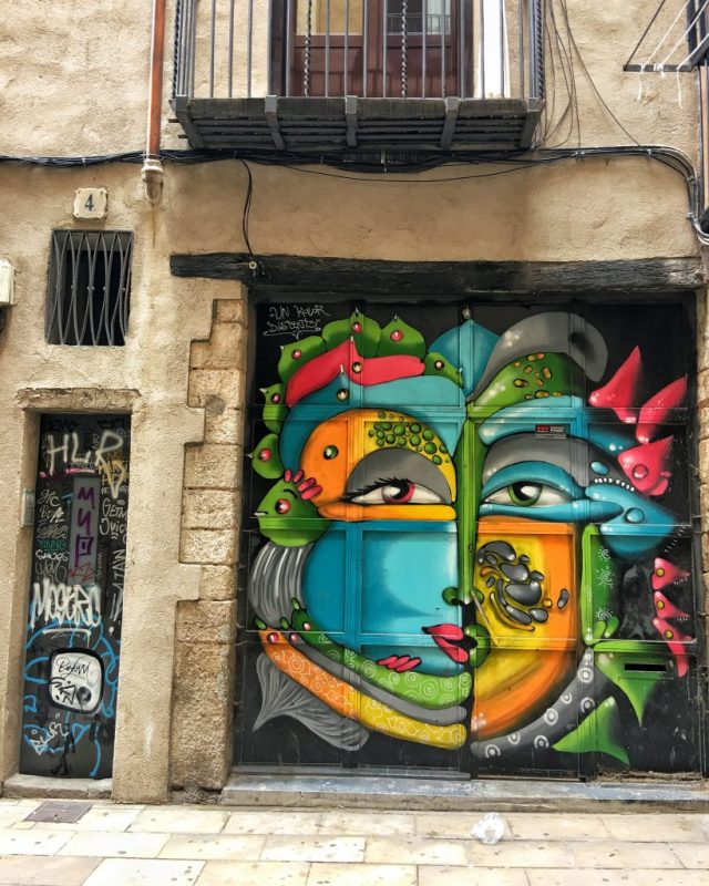 BARCELONA: Gothic Quarter doors