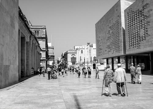 StreetLife: Pedestrians 5 monochrome Valletta
