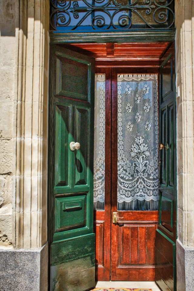 Valletta: House Entrance Malta Thursday doors