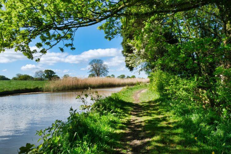 Canal Towpath ©HelenBushe