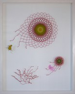 Rörelse, tråd, organzaväv och akvarell, 101x81 cm