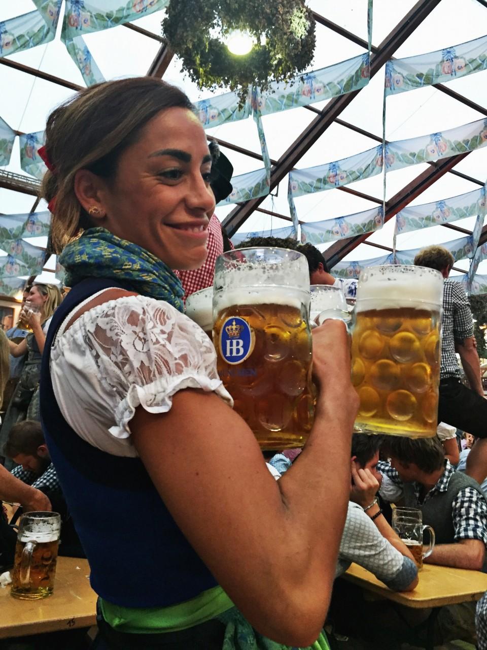 Beer Frau Oktoberfest