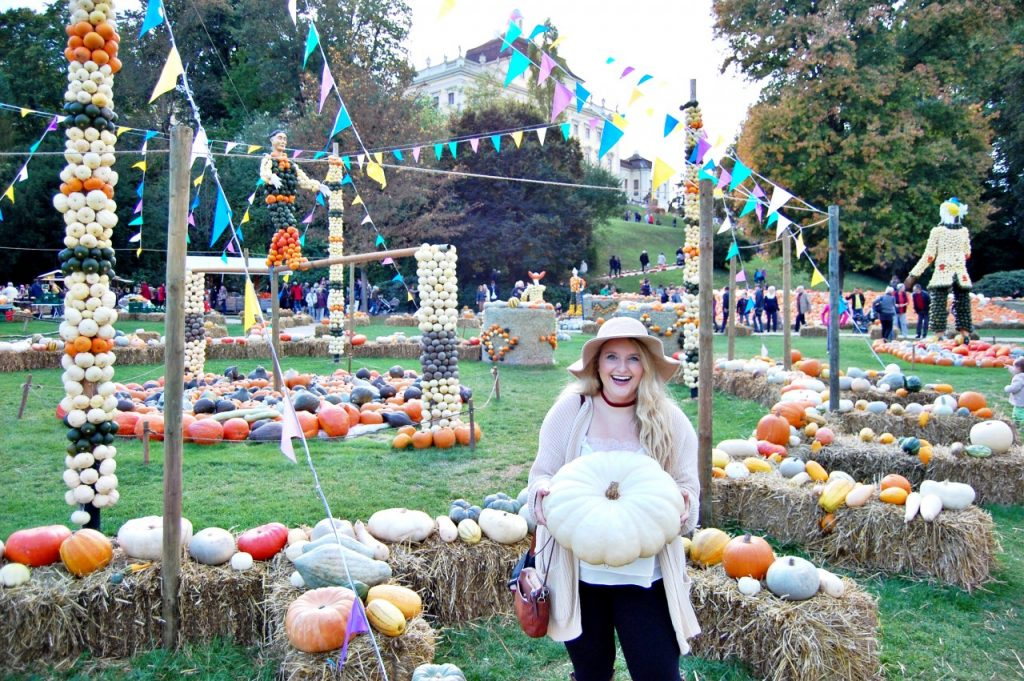 helene_pumpkin_wide