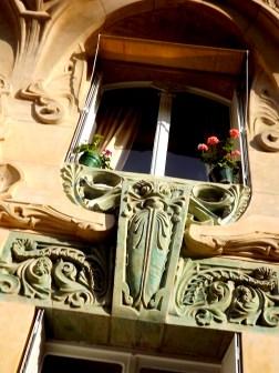 Avenue Rapp window