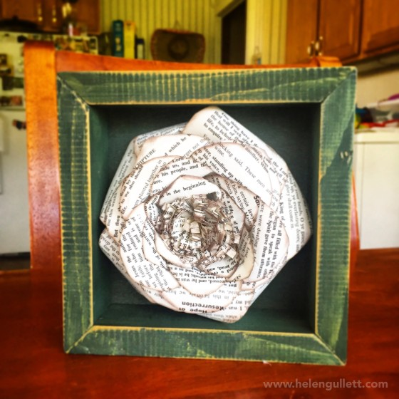 DIY Old Book Page Paper Flower | Blog -- srcset=