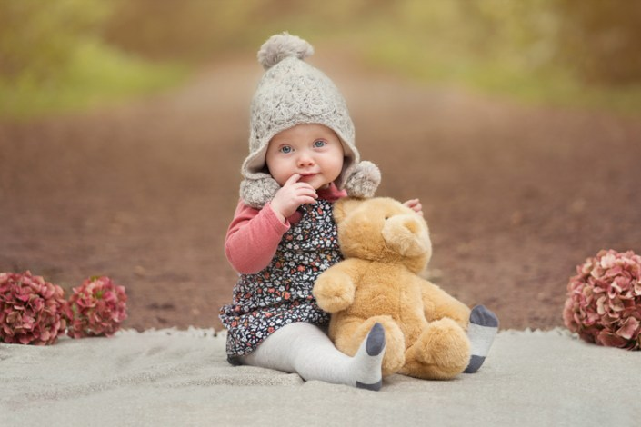 Qualified with the Guild of Photographers! Helen Rowan Photography photoshoot outdoors family natural chesterfield guild