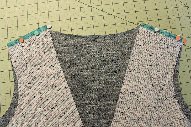 Stabilizing a knit shoulder seam