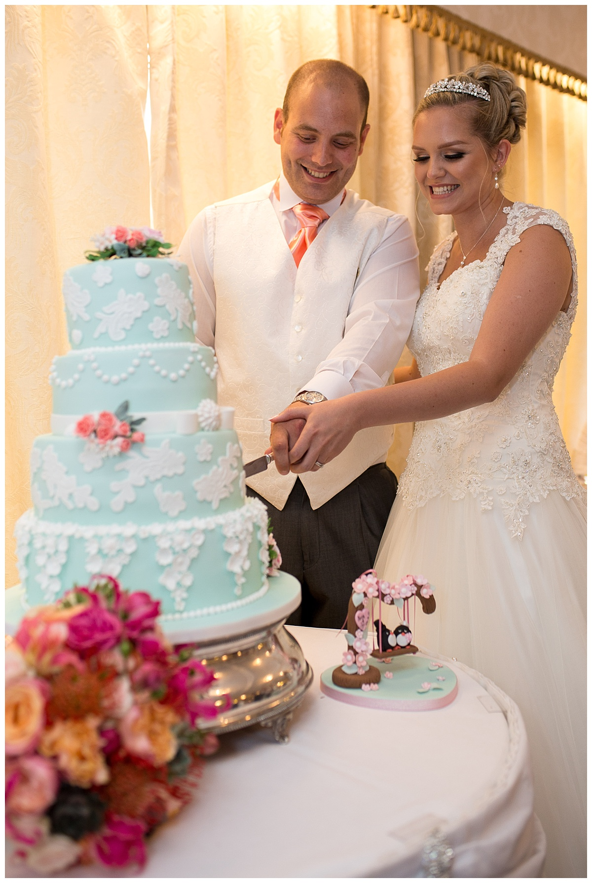 Willington Hall Wedding Cake
