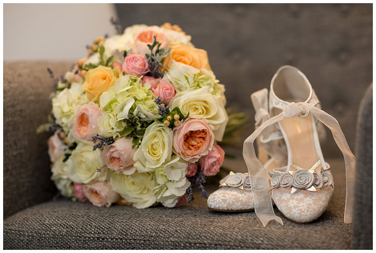 Rachel Simpson Shoes and bouquet