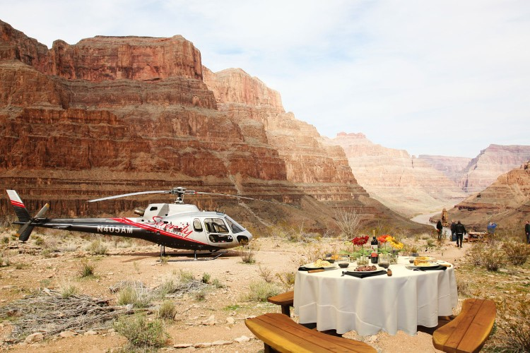Sunset helicopter tour with picnic