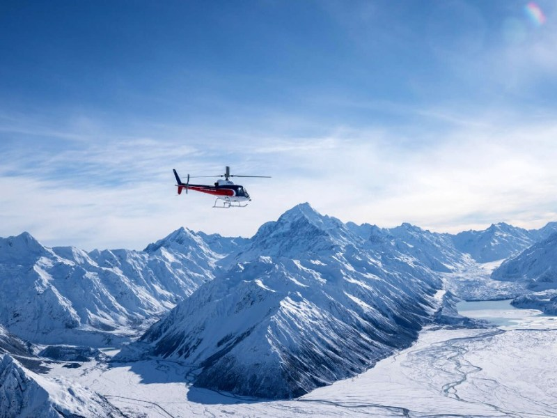 Helicopter tour to Mount Cook