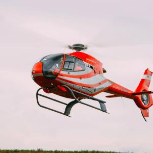 Rondvlucht – luchtdoop per helikopter – 30 minuten
