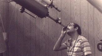 Ο Anthony με το διοπτρικό - 1981.