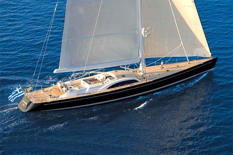 luxury-sailing-yachts
