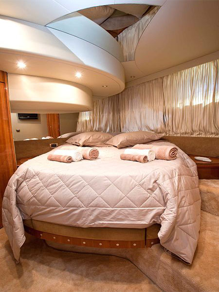 CHARTER-GREECE-MOTOR-YACHT-JOHNGINA-ELEANA-9