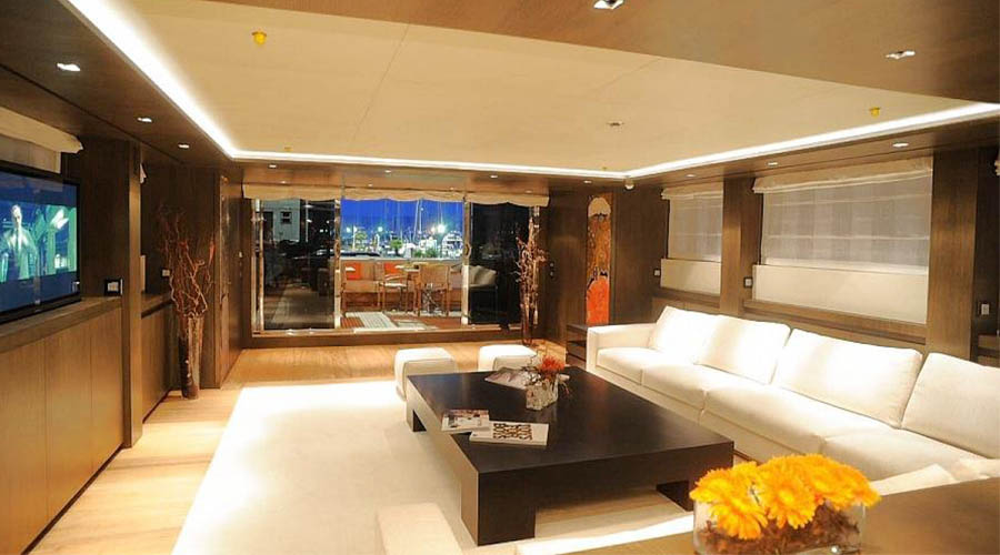 LUXURIOUS-YACHT-CHARTER-AQUA-11