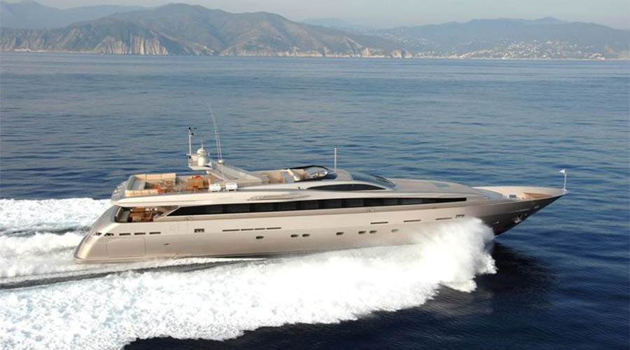 LUXURIOUS-YACHT-CHARTER-AQUA-3