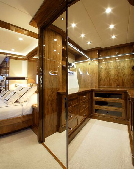 LUXURY-YACHT-DRAGON-27