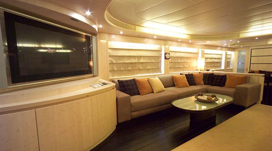 LUXURY-YACHT-GLAROS-12