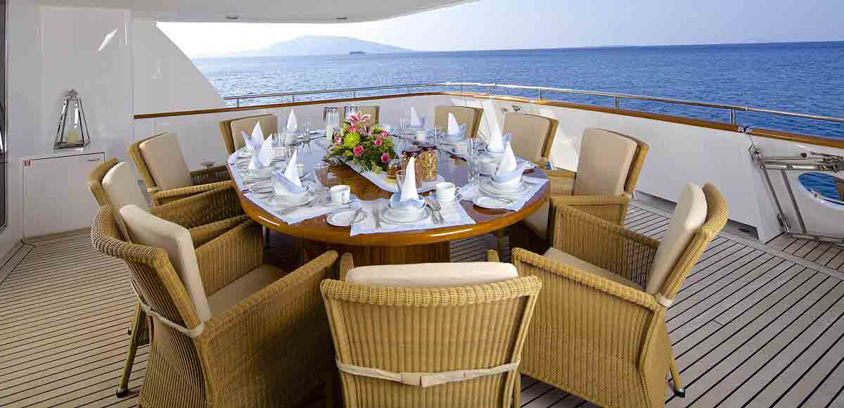 LUXURY-YACHT-LADY-ELLEN-10