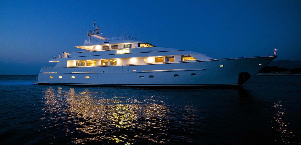 LUXURY-YACHT-LADY-ELLEN-15