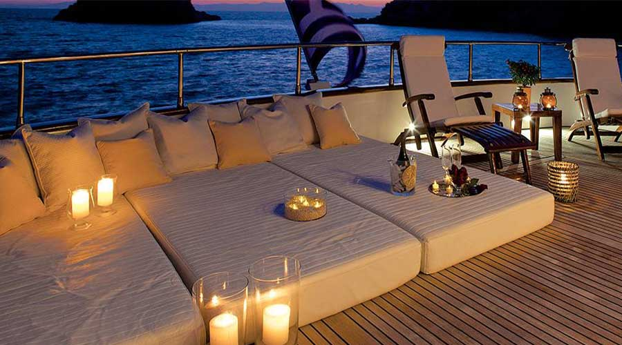 LUXURY-YACHT-LE-IT-BE-13