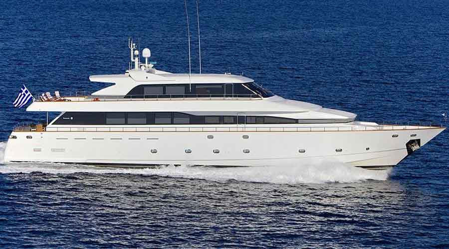LUXURY-YACHT-LE-IT-BE-4