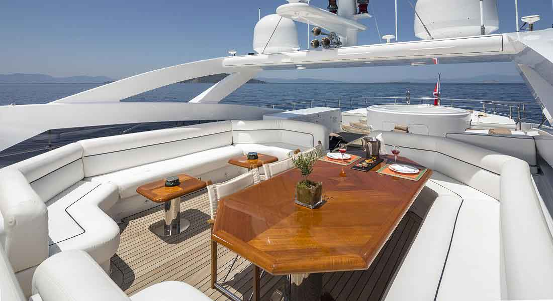 LUXURY-YACHT-L'EQUINOX-13
