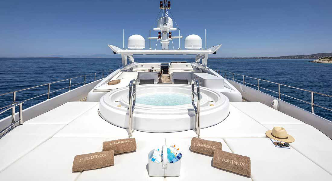 LUXURY-YACHT-L'EQUINOX-14