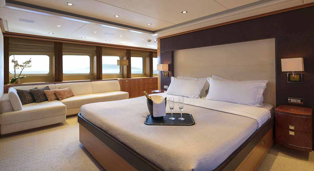LUXURY-YACHT-L'EQUINOX-26