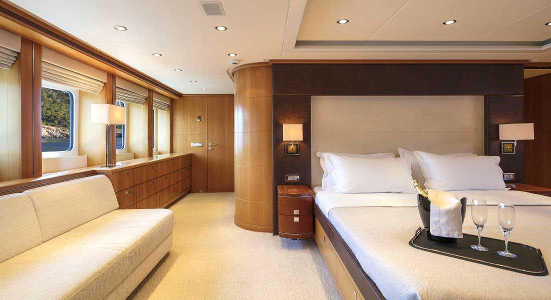 LUXURY-YACHT-L'EQUINOX-29