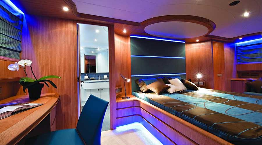 LUXURY-YACHT-PARIS-16