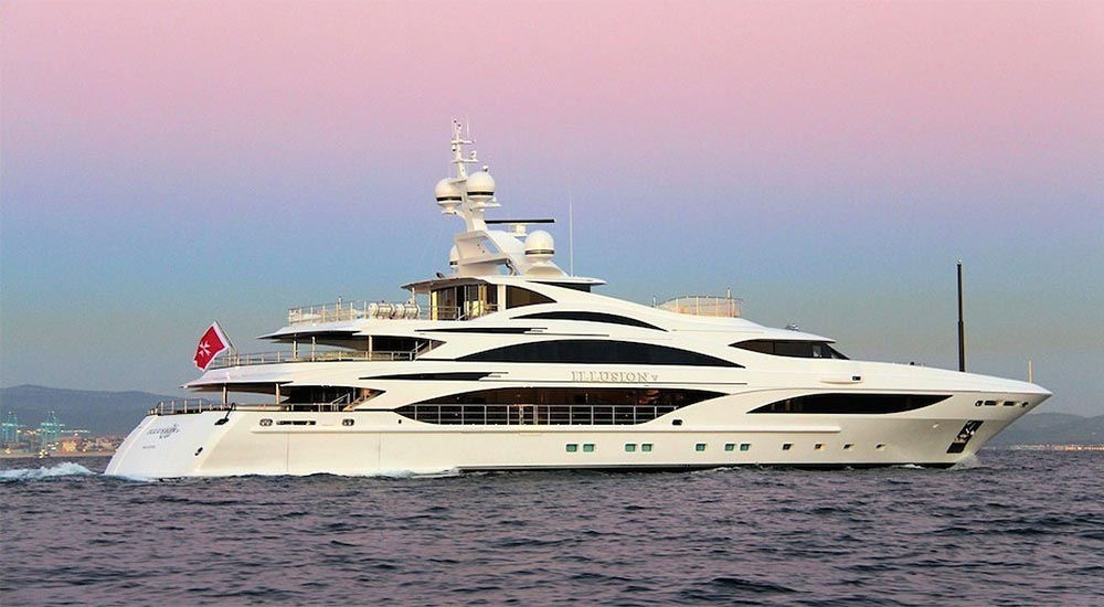 MEGA-YACHT-ILLUSION-1