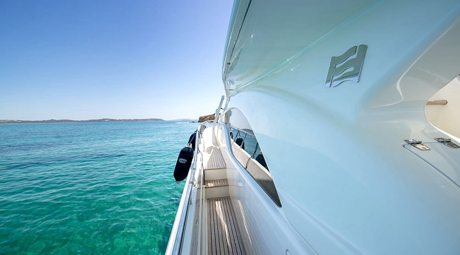ANANAS - Charter Motor Yacht in Greece - HELLAS YACHTING