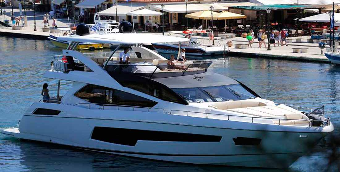 Motor vYacht FINEZZA - Luxury Yachts Charter Greece - HELLAS YACHTING