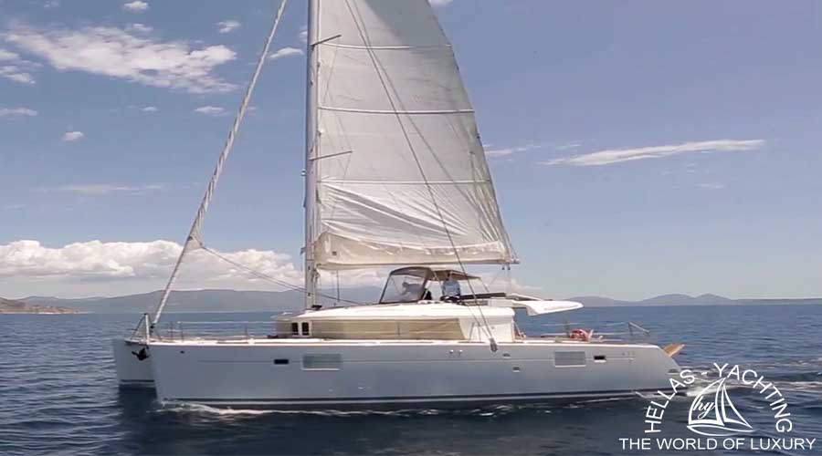 NEW HORIZONS - Crewed Charter Catamaran in Greece - HELLAS YACHTING