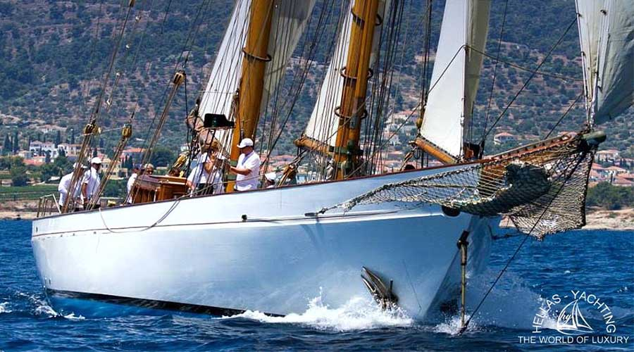 SAILING-YACHT-AELLO-1