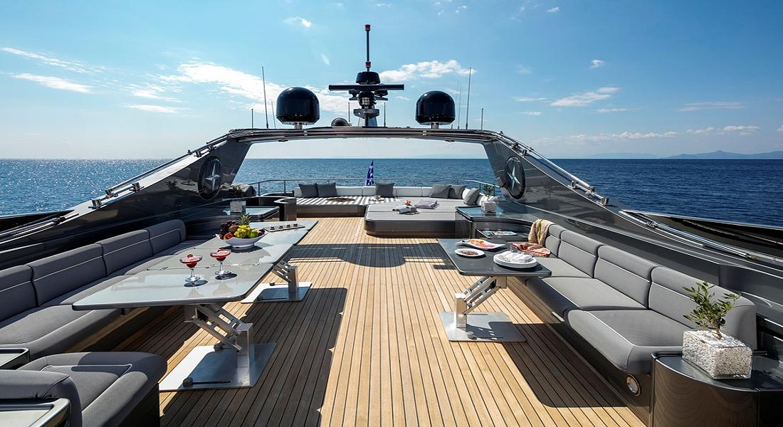 SUMMER DREAMS - Luxury Yachts Charter Greece, Monaco - HELLAS YACHTING